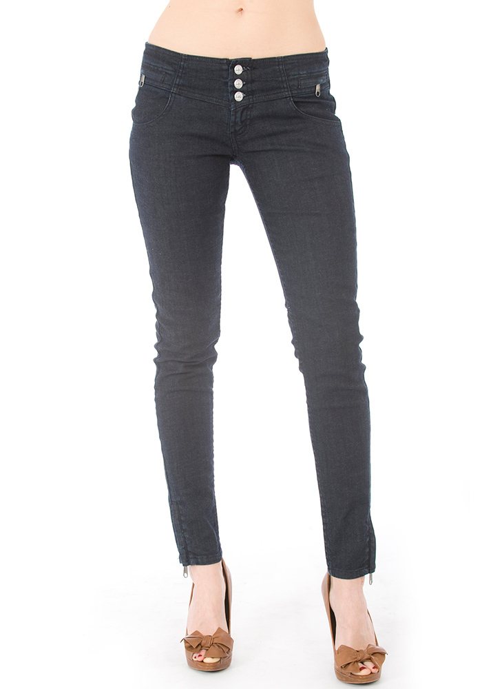 Descubre el outlet para mujer de ASOS y compra tu ropa de diseñadores en liquidación, desde Jack Willis hasta Nike.
