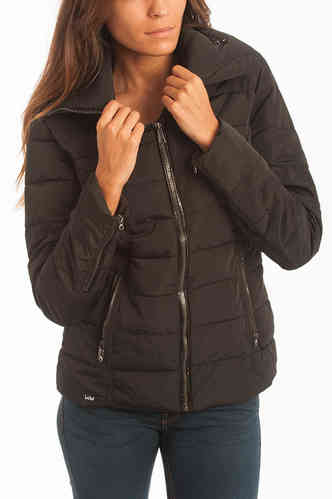 Women quilted jacket | Lois Women | News Sevens